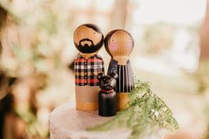 Woman and man figurines