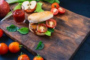 Sandwich with tomatoes and lettuce