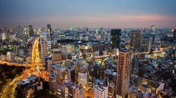 timelapse weergave van centraal tokyo in de schemering, japan