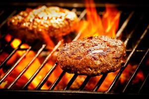 hamburguesas a la parrilla