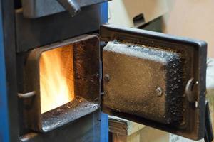 burning stove photo