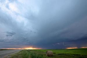 nubes de tormenta sobre saskatchewan foto
