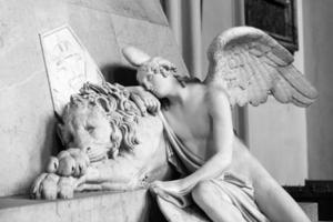 Lion and angel in Marie Christine's memorial in Vienna