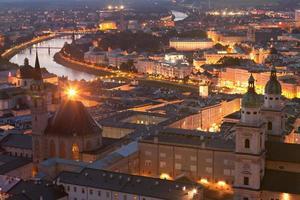 Salzburgo de noche