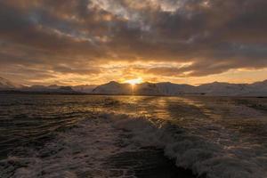 nascer do sol sobre Grundarfjorour e Lambahnukur