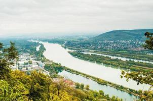 Paisaje de Viena con el río Danubio desde la montaña Kahlenberg