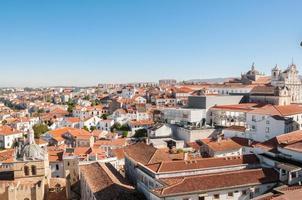 paisagem urbana sobre os telhados de coimbra em portugal