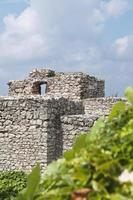 detalhe das ruínas do castelo