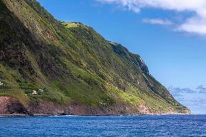 El paseo marítimo de Povoacao en Sao Miguel, Islas Azores