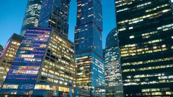 complejo de rascacielos de la ciudad de moscú. lapso de tiempo