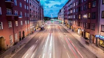 lapso de tempo hd: rua da cidade ao entardecer