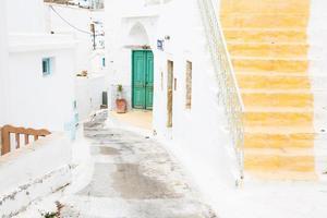 Arquitectura en las Cícladas. Edificios de la isla griega. foto