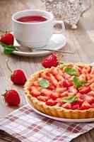 Strawberry tart with custard