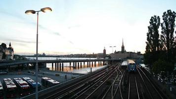 trilhos da ferrovia da cidade de estocolmo