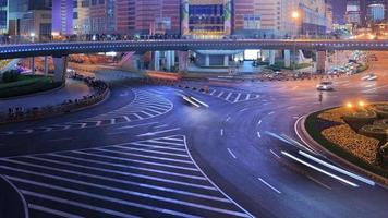 hd: traffico intenso a Shanghai di notte, time-lapse video