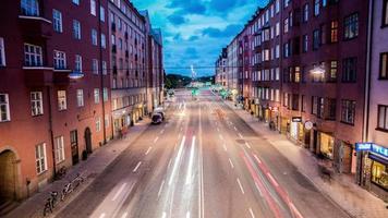 lapso de tempo hd: rua da cidade ao anoitecer