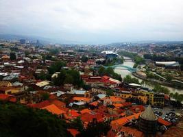 tbilisi, georgia, vista de la ciudad foto