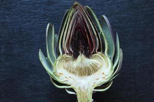 vista superior de alcachofa en rodajas