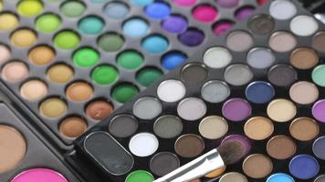 professionele make-up kwast en oogschaduw palet