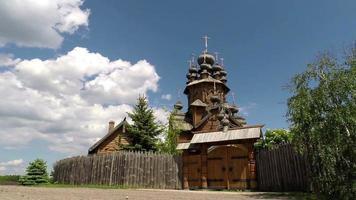 igreja ortodoxa de madeira. video