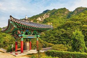monasterio budista monje campana en corea