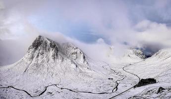 paisaje de un glaciar en glencoe