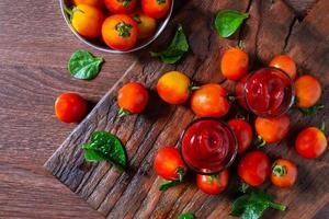 Fresh tomatoes with tomato sauce