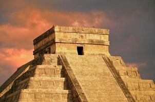 Chichen Itza equinox Kukulkan temple pyramid Mexico