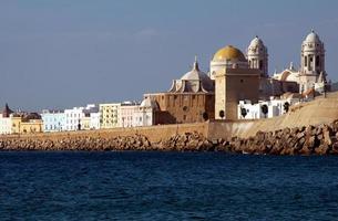 Cadiz seafront photo