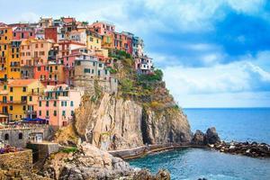 vista de manarola la spezia, liguria, norte da itália
