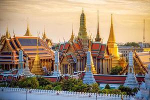 Grand palace and Wat phra keaw at sunset photo