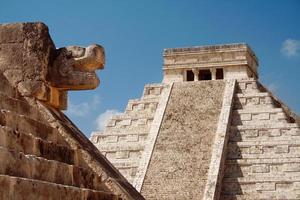 Mayan pyramid of Chichen Itza photo