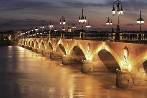 Pont de Pierre bridge photo