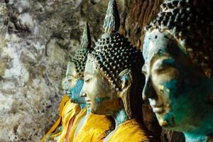 rolo da estátua de Buda