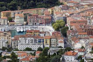 Puerto de Niza en Francia por la tarde foto