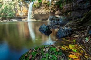 la cascada haew suwat en tailandia