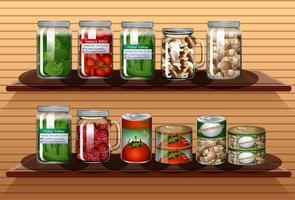 Conjunto de diferentes verduras en diferentes frascos.