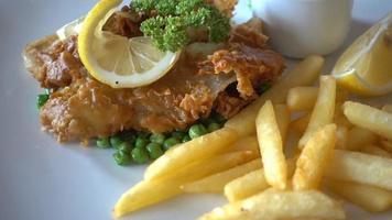 peixe e batata frita video
