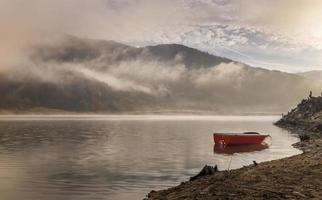 amanecer en el lago foto