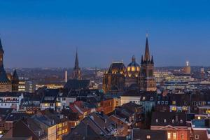 aachen cathedral (Aachener Dom) at night