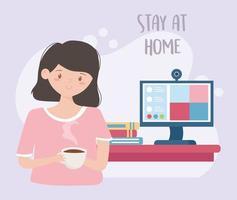 mujer joven tomando café en casa