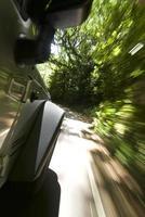 SUV em velocidade