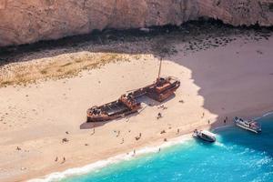 Praia de Navagio com naufrágio na Ilha de Zakynthos, na Grécia