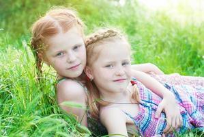 niños felices foto