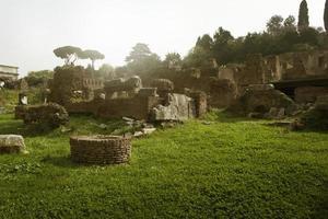 Roman ruines photo