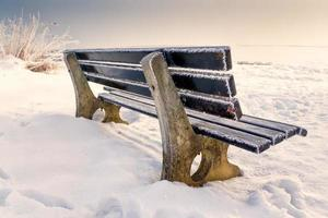 bench with ice
