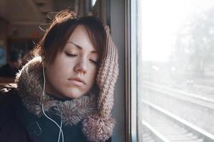 chica en tren