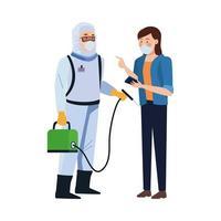 Trabajador de bioseguridad con pulverizador portátil y mujer