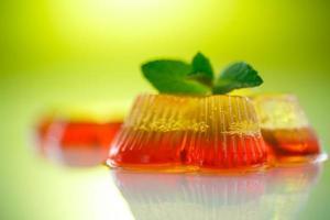 gelatina de frutas de colores foto