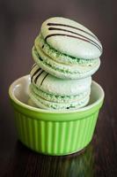 macarrones verdes de primer plano foto